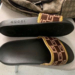 Gucci Pursuit Knit Slide Sandals